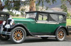 33 - 1928 Dodge Standard Six Tourer